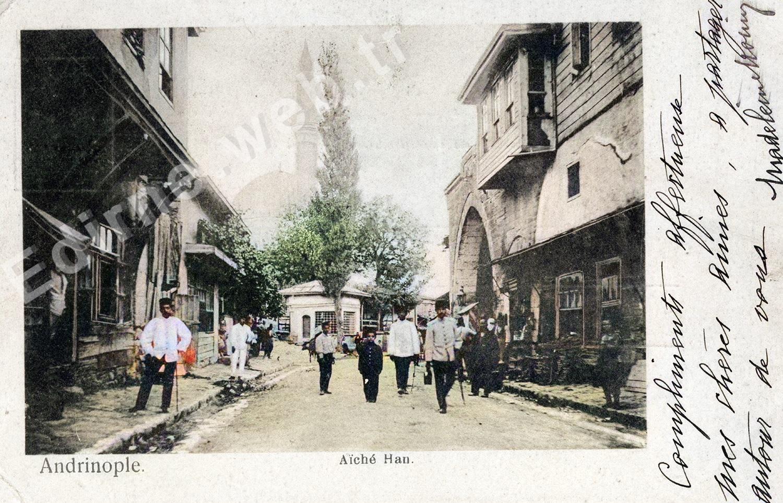 Eski İstanbul Caddesi-Karşıda Ayşe Kadın Camii, sağda Ekmekçizade Ahmetpaşa Kervansarayı, solda Lülepaşa İlkokulu - 1900'lü yılların başı