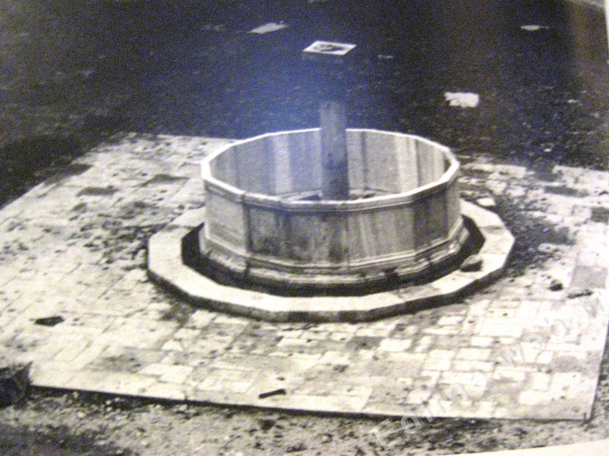 Rüstem Paşa Kervansayı, şadırvan 1971 yılı